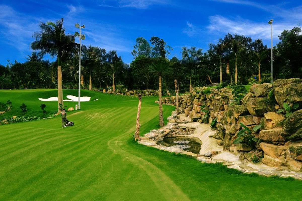 Sân golf Asean Resort