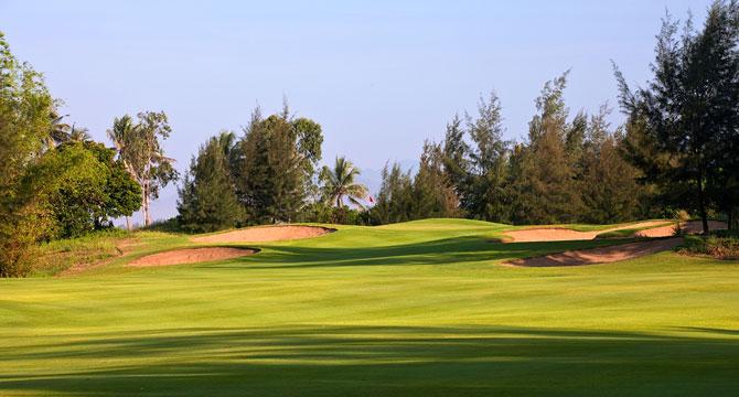 giá sân golf Montgomerie Links Việt Nam