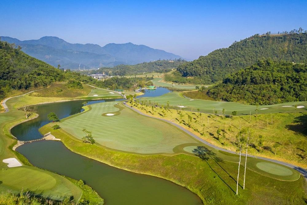 giá sân golf Hilltop Valley - Hilltop Valley Golf Club